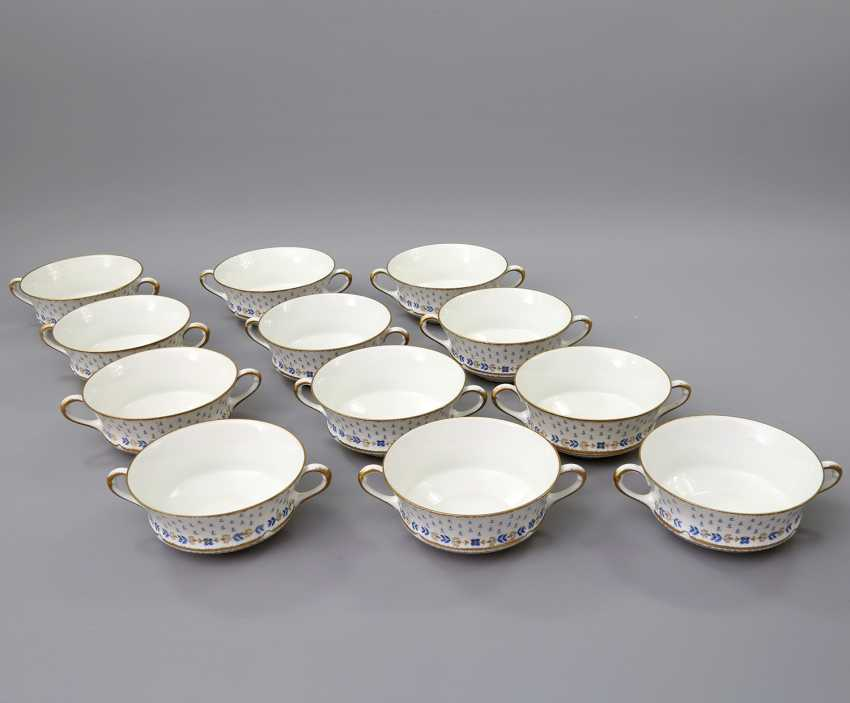 LIMOGES GDA dinner service for 12-24 persons 'Anjou', 20. Century - photo 4