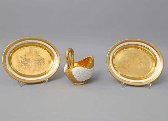 WEANED Schwanensauciére mit 2 Untertassen, 1804-1815. - photo 1