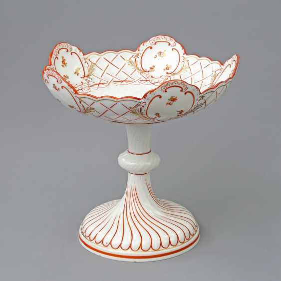 MEISSEN footed bowl, 19th century. Century, 1. Choice. - photo 1
