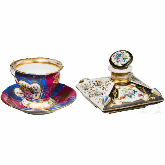 Inkwell or perfume bottle from the possession of Grand Duchess Olga Nikolaevna Romanova and teacup, probably Russian private manufactory, mid-19th century. Century - photo 2