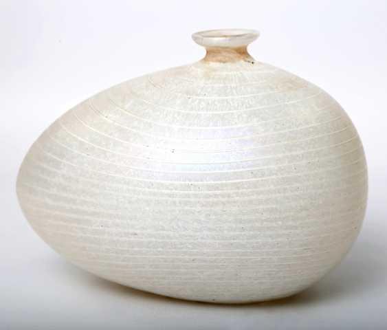 KOSTA BODA asymmetric Vase, from the Minos series by BERTIL VALLIEN, mid-1980s - photo 3
