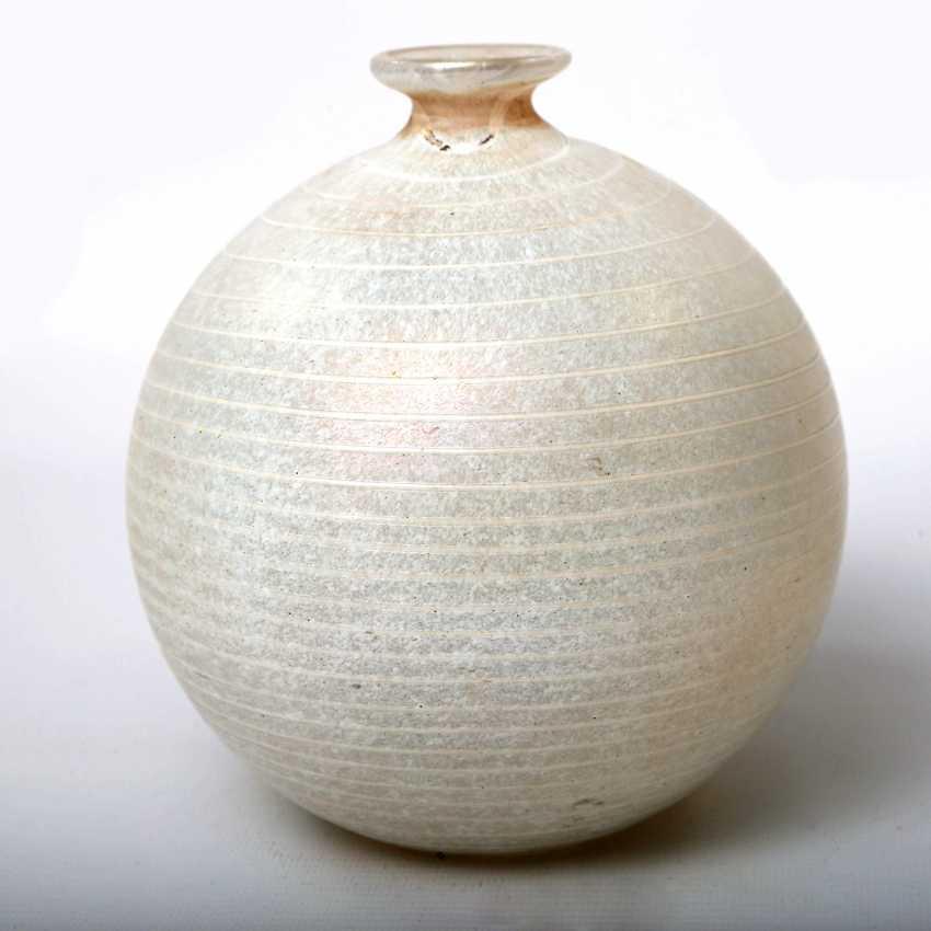 KOSTA BODA asymmetric Vase, from the Minos series by BERTIL VALLIEN, mid-1980s - photo 4