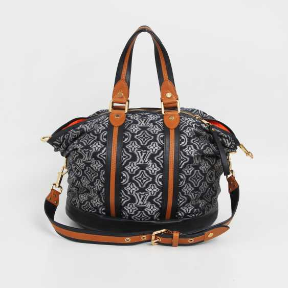 "LOUIS VUITTON exclusive shoulder/messenger bag ""AVIATOR NAVY"", - photo 1"