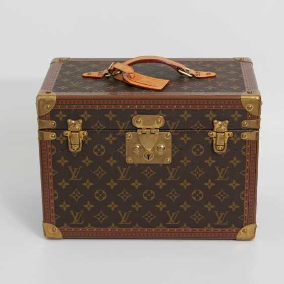 "LOUIS VUITTON VINTAGE elegant gray Beauty Case ""BOETIE PHARMACY"" - photo 1"