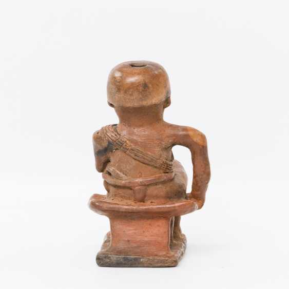 Betel nut chewing figure out of clay. COLOMBIA - photo 2