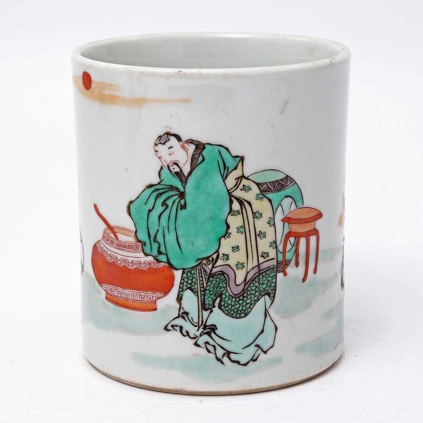Brush vessel made of porcelain in Famille Verte-style bemalaut CHINA, 19. Century - photo 1