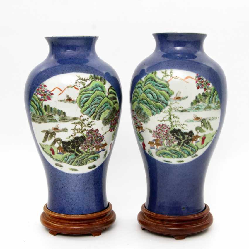 Few Vasen mit famille verte ' -Dekor. CHINA, Kangxi-Period (1662-1722) - photo 1