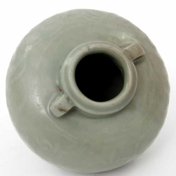 Jar with celadon glaze. Yuan dynasty (1279-1368) - photo 2
