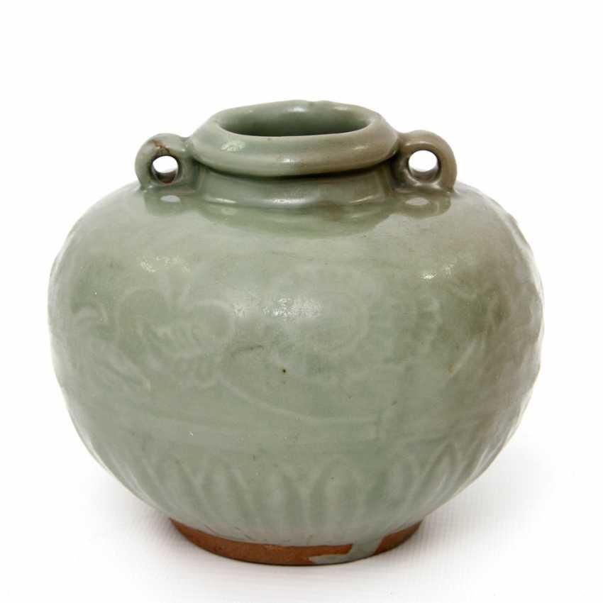 Jar with celadon glaze. Yuan dynasty (1279-1368) - photo 4