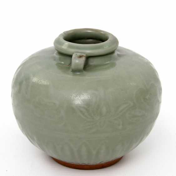 Jar with celadon glaze. Yuan dynasty (1279-1368) - photo 5