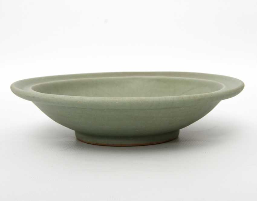 Exceptionally rare 'Twin Fish'bowl with celadon glaze. CHINA. Probably Song Dynasty (960-1279) - photo 5