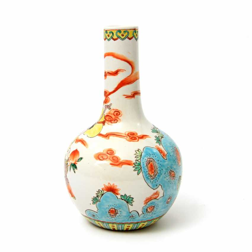 Vase made of porcelain. CHINA, time of the Republic (1912-1949) - photo 2