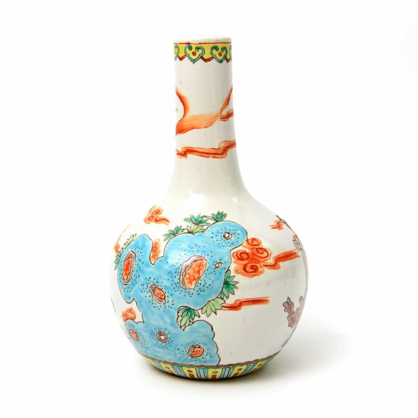 Vase made of porcelain. CHINA, time of the Republic (1912-1949) - photo 3