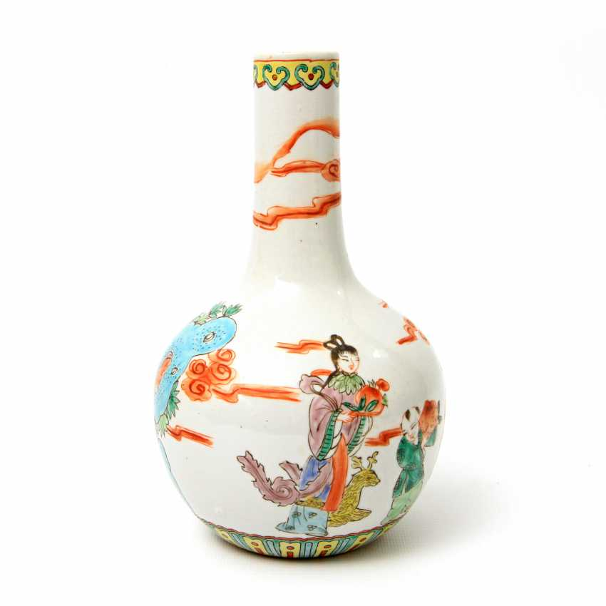 Vase made of porcelain. CHINA, time of the Republic (1912-1949) - photo 5