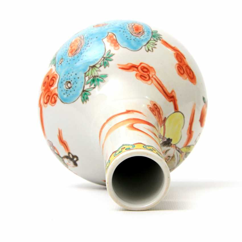 Vase made of porcelain. CHINA, time of the Republic (1912-1949) - photo 6
