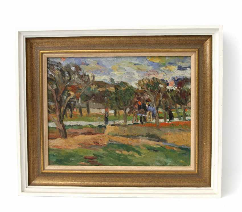 HENNINGER, MANFRED (Attrib.; 1894-1986): a view of a village street with horse and cart and figure staffage, on the island of Ibiza, 20. Century, - photo 2