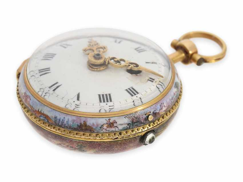 Pocket watch: extremely rare miniature Rococo Emailleuhr in the style of Meissen painting on porcelain, Louis Waltrin à Paris, No. 593, CA. 1770 - photo 3