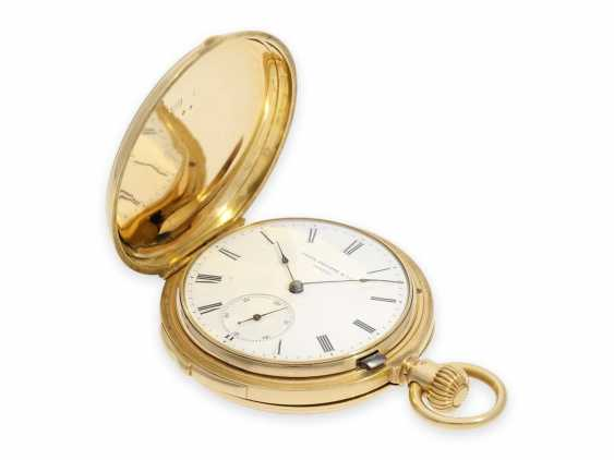 Pocket watch: very fine and early Patek Philippe, gold savonnette with quarter-hour Repetition, delivered to the chronometer-maker Rodanet in Paris, 1872 - photo 2