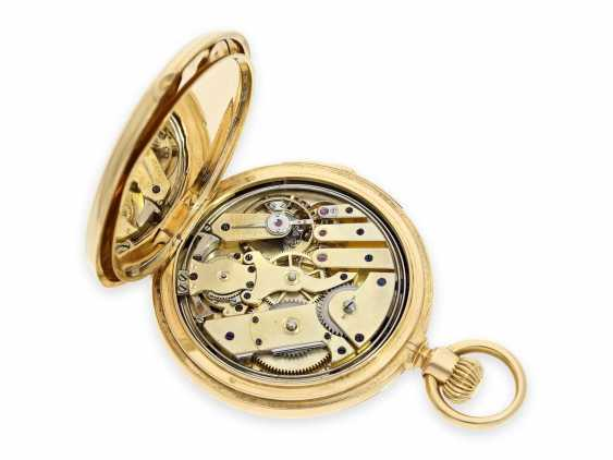 Pocket watch: very fine and early Patek Philippe, gold savonnette with quarter-hour Repetition, delivered to the chronometer-maker Rodanet in Paris, 1872 - photo 3