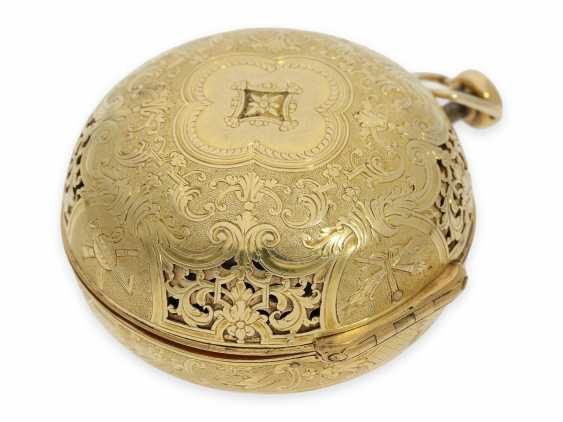 Pocket watch: rarity, one of less than 10 well-known Louis XIV Oignons with a gold case and a repeater, the Royal watchmaker, Gaudron, Paris, CA. 1700 - photo 10
