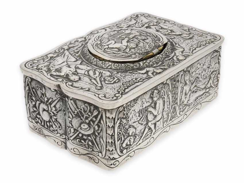 Singing bird box: a magnificent, solid silver singing bird box in the Rococo style, Karl Griesbaum, probably 1. Half of the 20. Century. - photo 3
