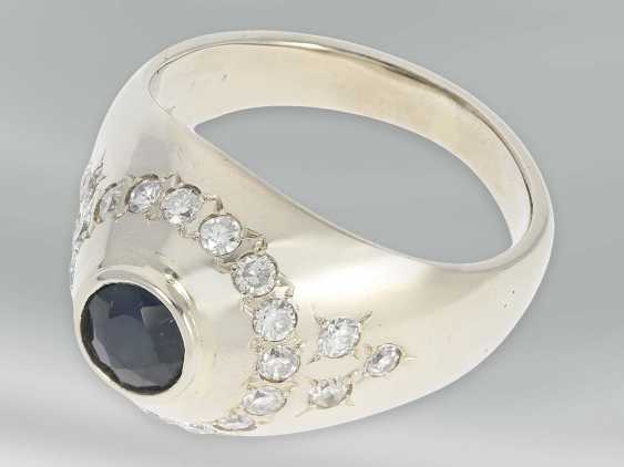 Ring: solid, heavy Ring with brilliant and sapphire, 14K white gold - photo 3