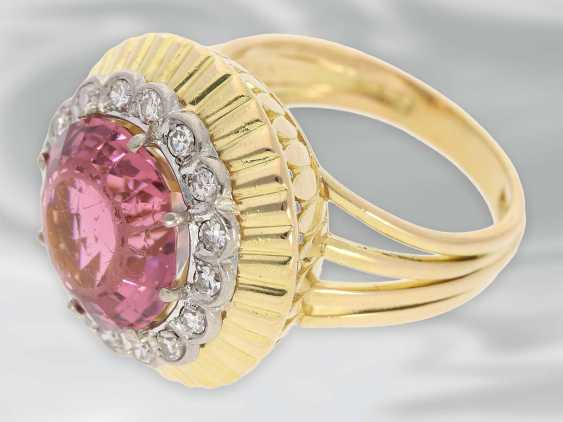 Ring: very decorative and fancy carved vintage gold wrought ring with a large tourmaline and diamond trim - photo 2
