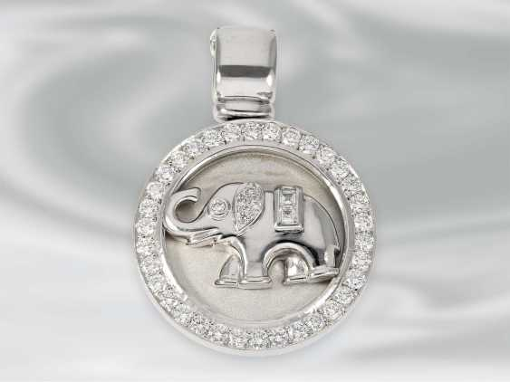 Pendant: white Golden diamond pendant clip with elephant motif, approx 1,06 ct, 18K white Gold, unworn, brand Laudier - photo 1