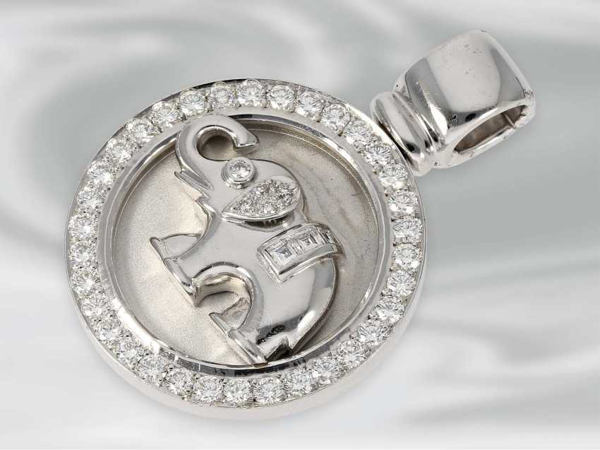 Pendant: white Golden diamond pendant clip with elephant motif, approx 1,06 ct, 18K white Gold, unworn, brand Laudier - photo 2