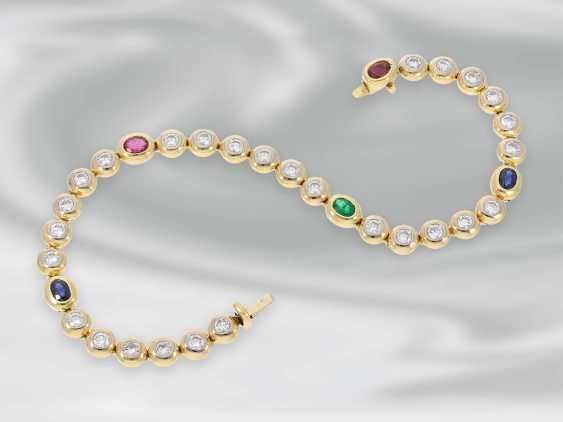 Bracelet: high quality attractive tennis bracelet with diamonds and sapphire, ruby and emerald trim, approx. 3,22 ct, 18K yellow gold - photo 1