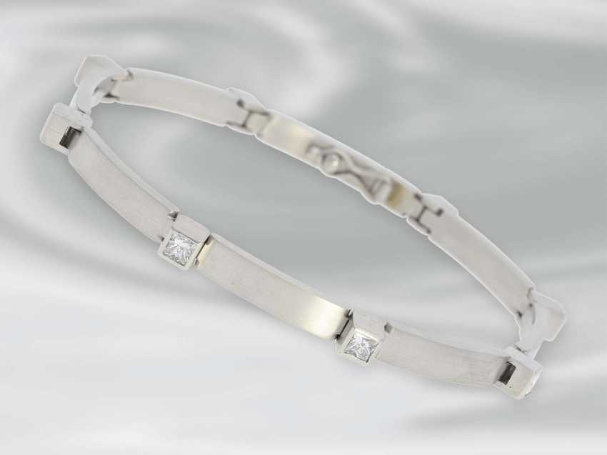 Bracelet: very solid built, high quality platinum bracelet with diamonds, approximately 1.5 ct, unworn - photo 1