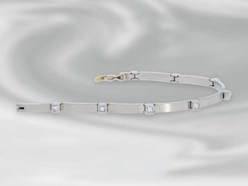 Bracelet: very solid built, high quality platinum bracelet with diamonds, approximately 1.5 ct, unworn - photo 3