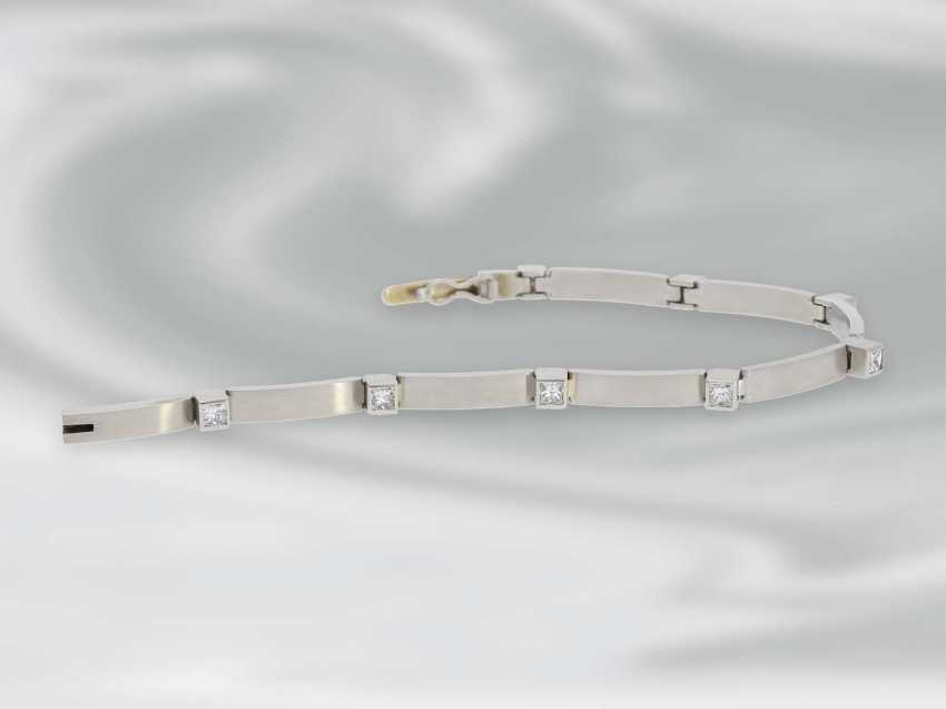 Bracelet: very solid built, high quality platinum bracelet with diamonds, approximately 1.5 ct, unworn - photo 4