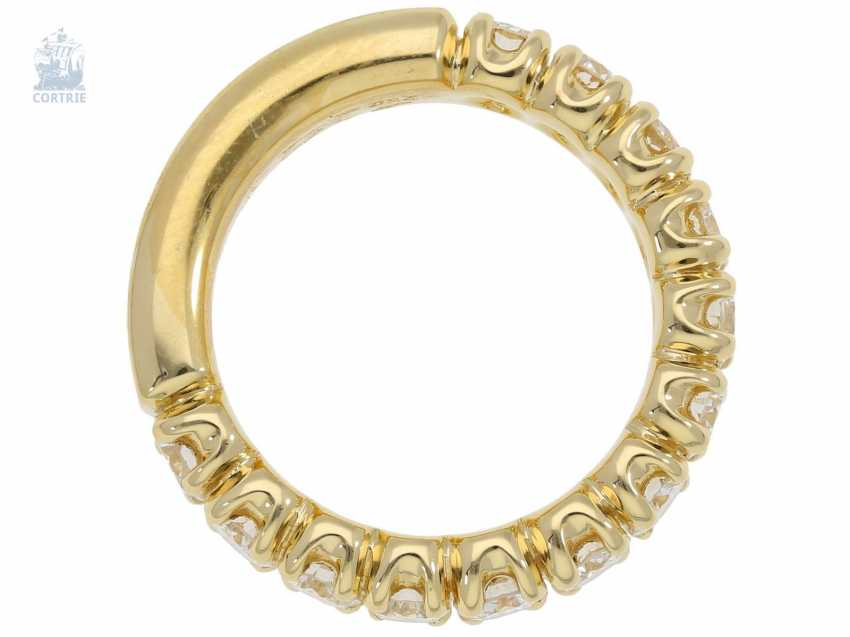 Ring: sound, of extremely high quality, brilliant Semi-Eternity Ring, crafted from 18K Gold, 2,12 ct brilliant-cut diamonds, gold and silver price lt. The previous owner approx. 6.500€ - photo 2