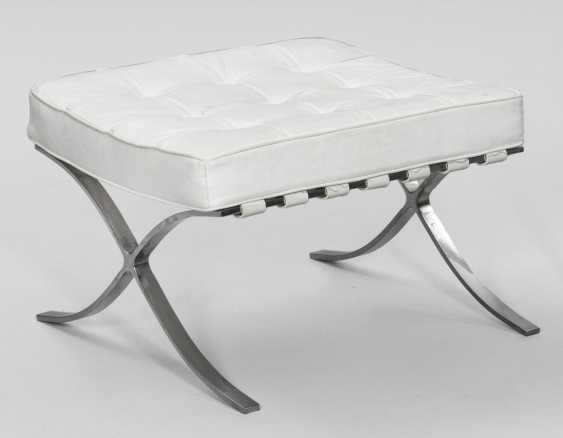 Ottoman, after a design by Ludwig Mies van der Rohe - photo 1