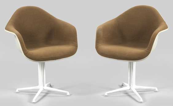 Few DAL armchairs by Charles & Ray Eames - photo 1