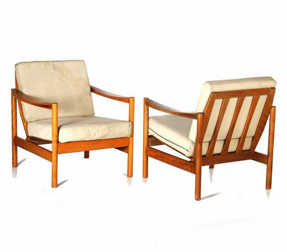 PAIR OF ARMCHAIRS - photo 1