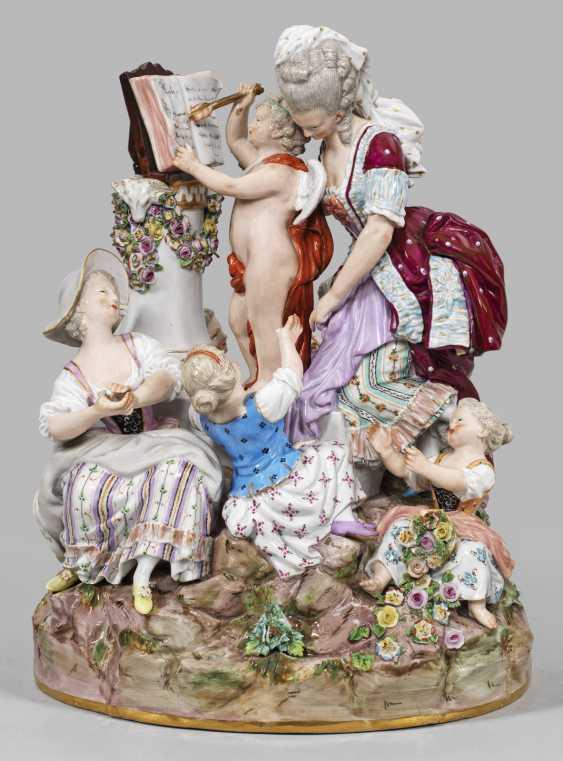 "Large Figure Group ""The Love School"". Original title - photo 1"