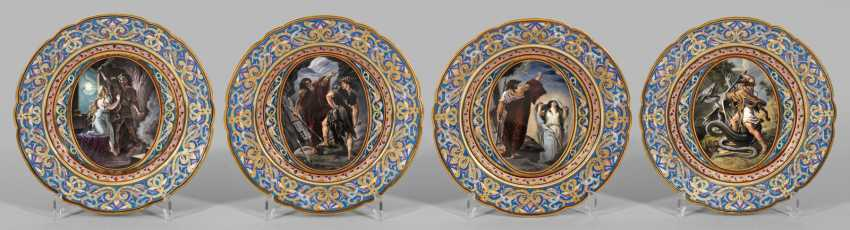 Four ornamental with Nibelung scenes - photo 1