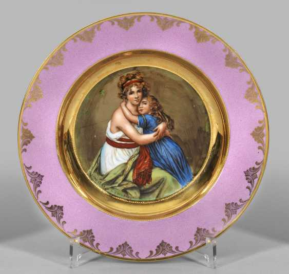 """Portrait plate of """"Elisabeth Louise Vigee-Lebrun with daughter"""" - photo 1"""