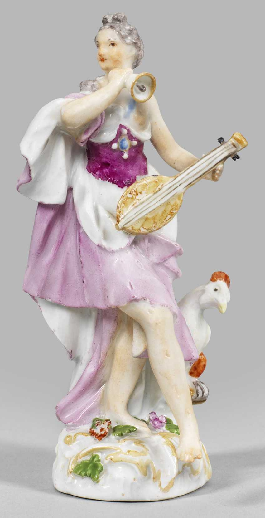 """Rare figurine of an allegory """"The hearing"""" - photo 1"""