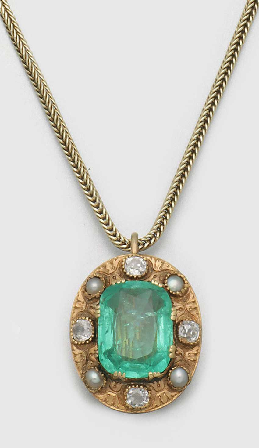 Colombian emerald pendant with chain - photo 1