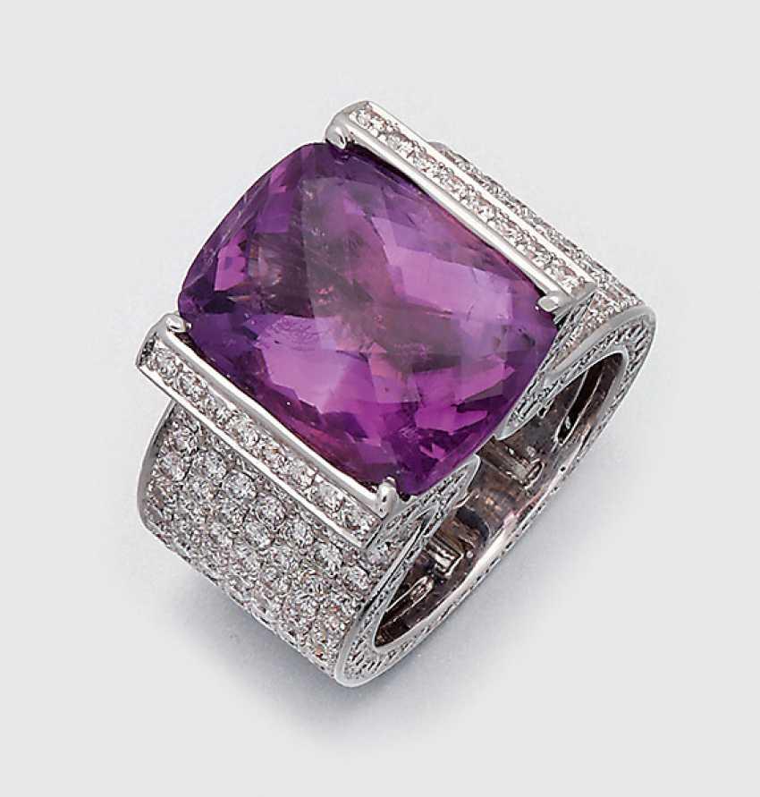 Exceptional Amethyst Diamond Ring - photo 1
