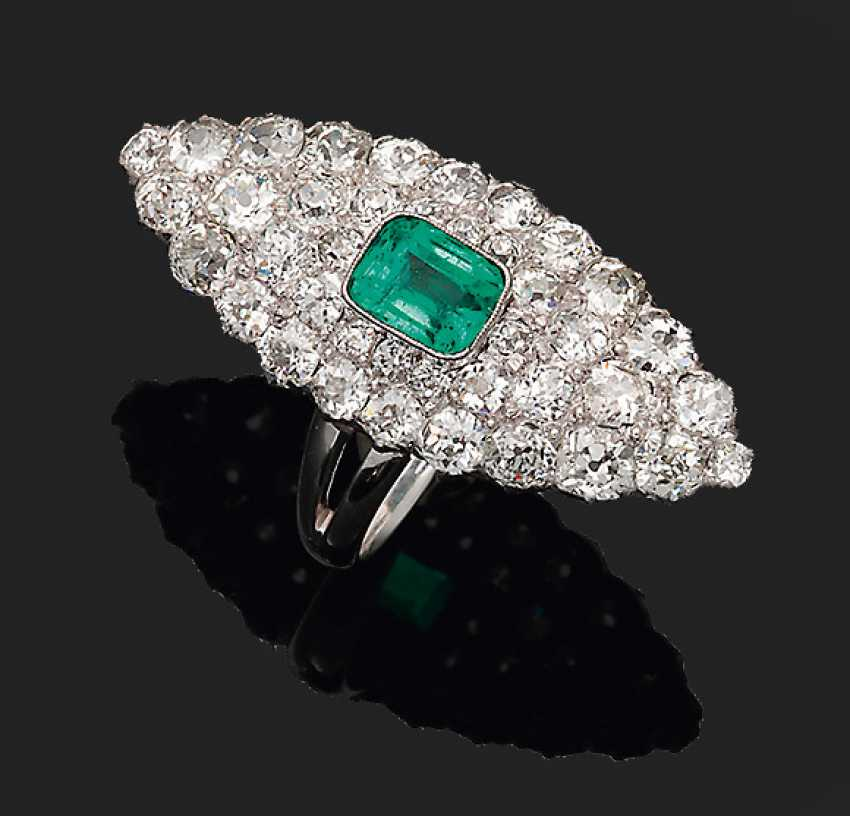 Magnificent Marquis ring with Colombian emerald - photo 1
