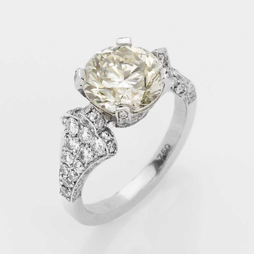 Elegant Brilliant Solitaire Ring - photo 1
