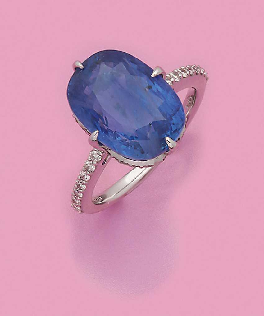 Cornflower Blue Sapphire Ring - photo 1
