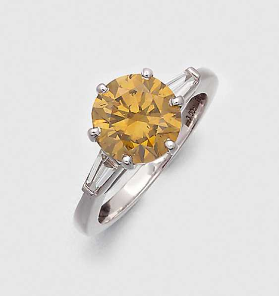 Big Natural Fancy, Brilliant-Solitaire Ring - photo 1