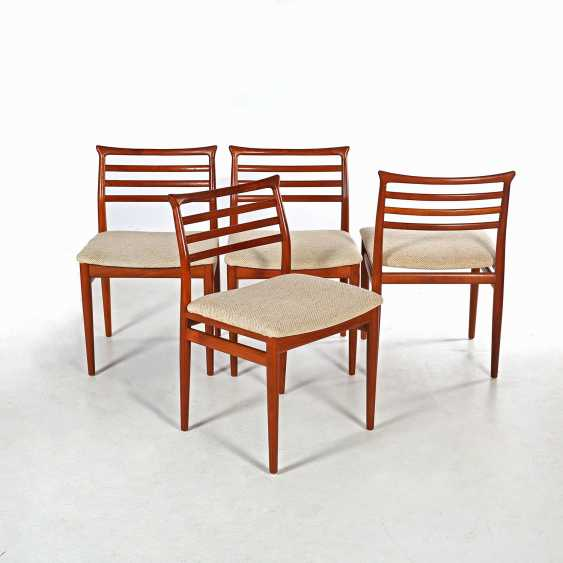A ROW OF FOUR CHAIRS - photo 1