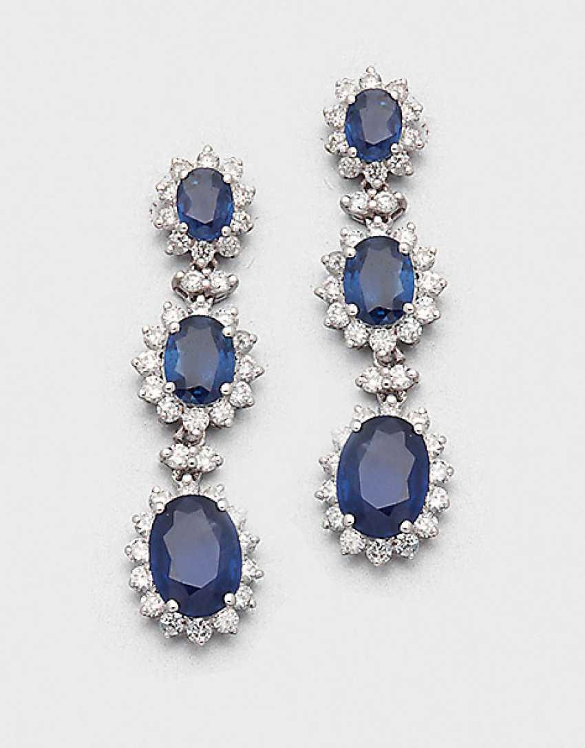 Pair of very fine sapphire drop earrings - photo 1