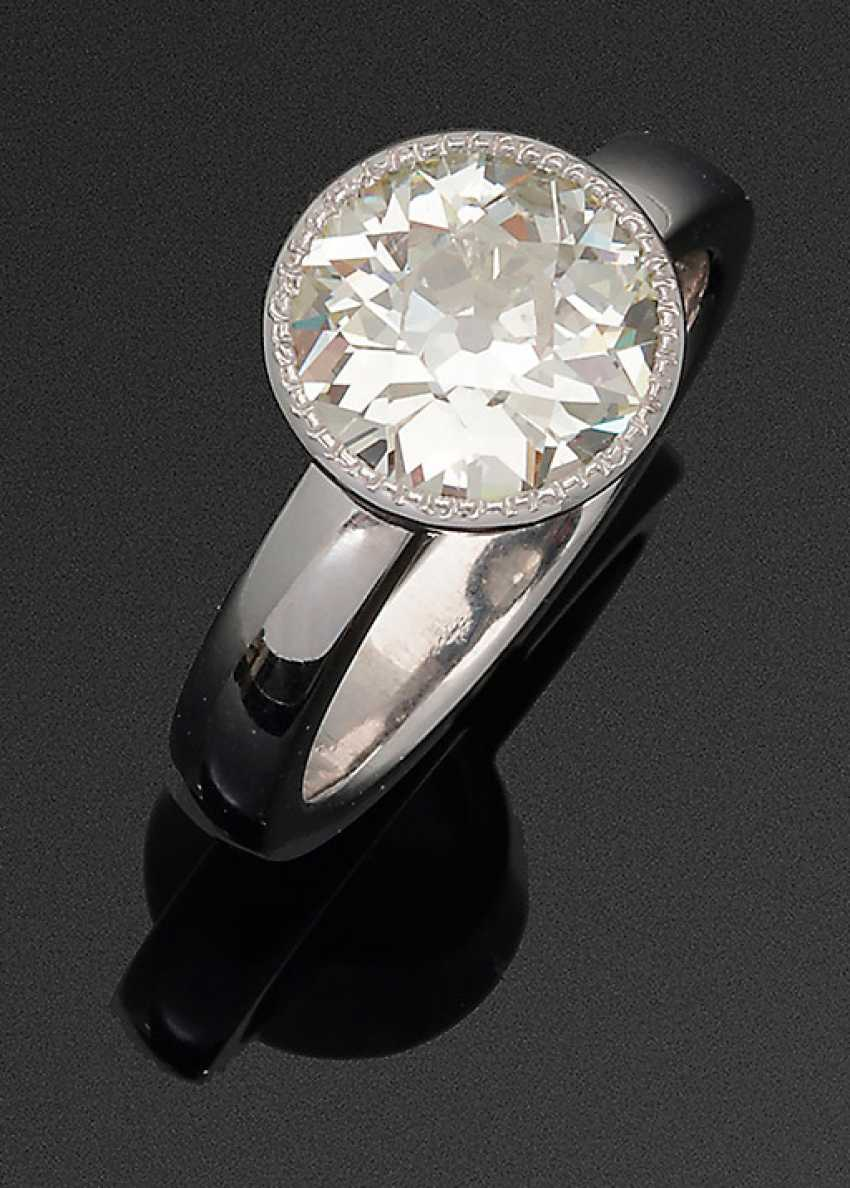 Classic Diamond Solitaire Ring - photo 1